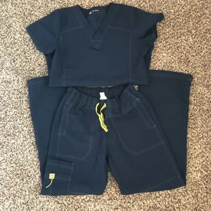 WonderWink Navy Women's Scrub Set